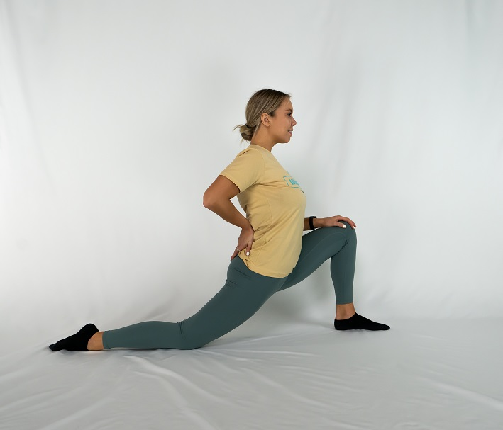 Runners-Lunge-Kneeling-Hip-Flexor)